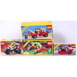 LEGO: A collection of 4x vintage Lego sets - Town and space related to include; Town 6674,