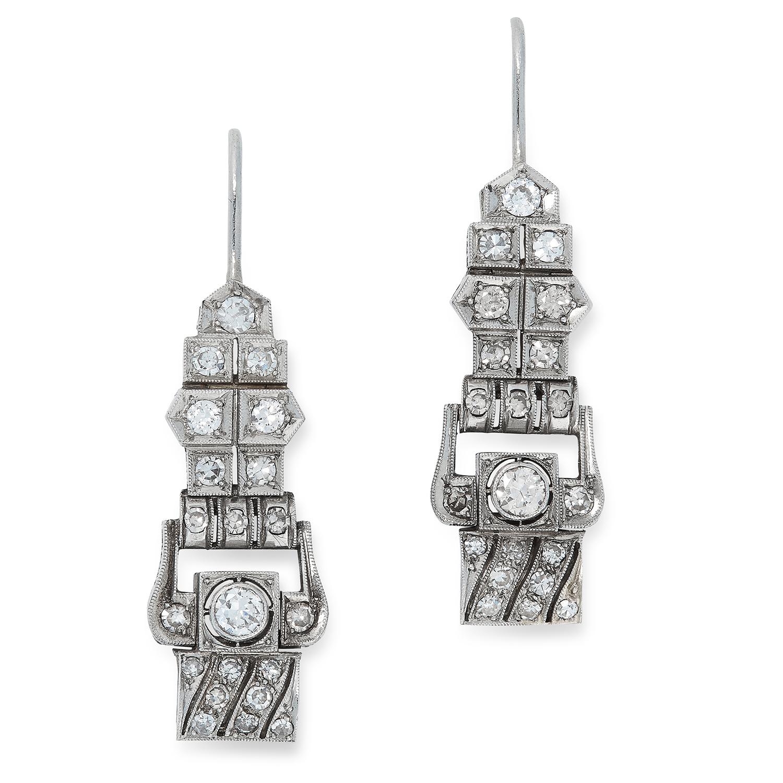 DIAMOND DROP EARRINGS in Art Deco design set with round cut diamonds, 3.3cm, 9g.