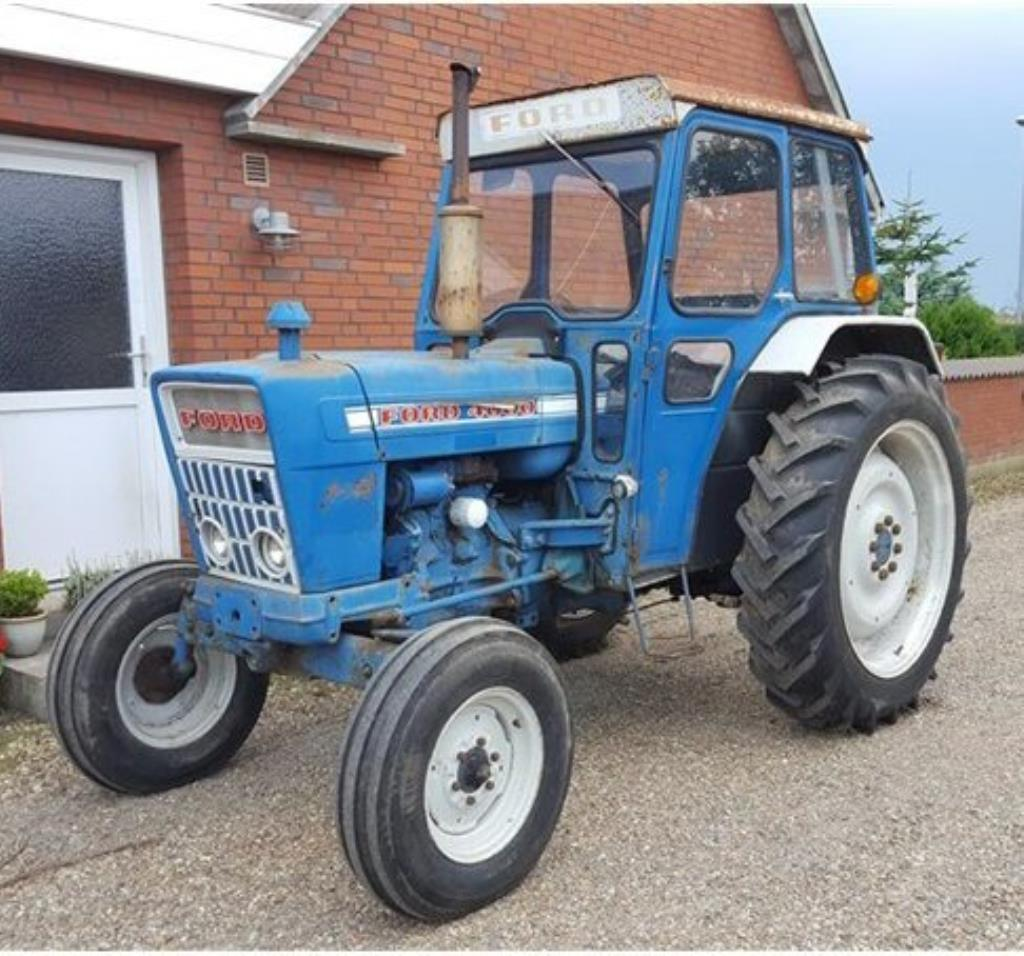 Ford 4000 Diesel Tractor : Ford diesel tractor fitted with a cab and appearing
