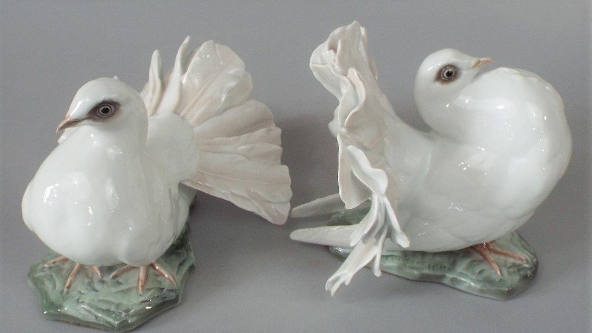 Lot 224 - A pair of Rosenthal models of fan tailed doves, with impressed signatures J Heidenreich, max