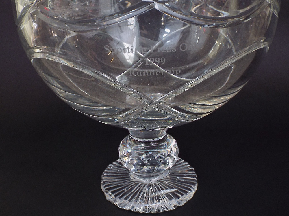 Lot 324 - A heavy glass punch bowl raised on a circular base with etched inscription Sporting Press Oaks