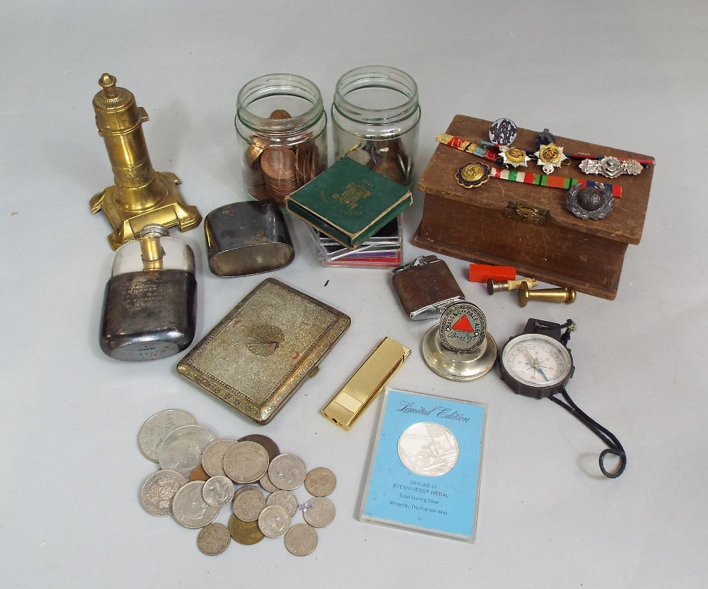 Lot 612 - A few military pips and badges, silver plated hip flask, sundry crown, other coinage, etc