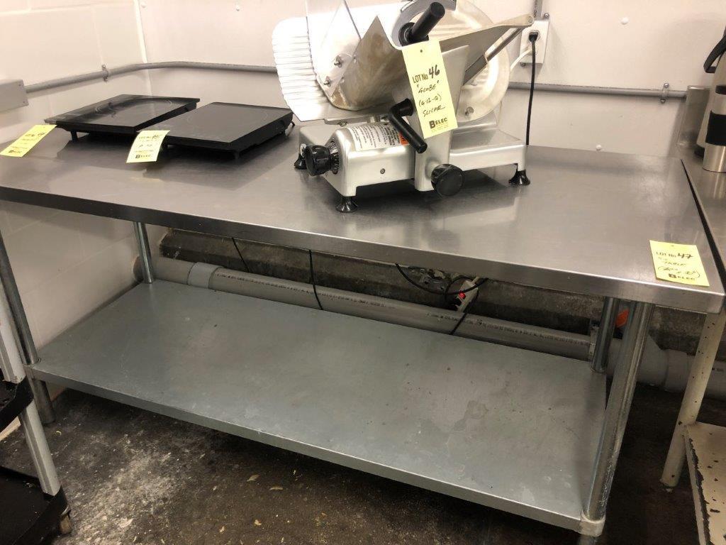 """Lot 47 - Table de travail en acier inox 72"""" x 30"""""""