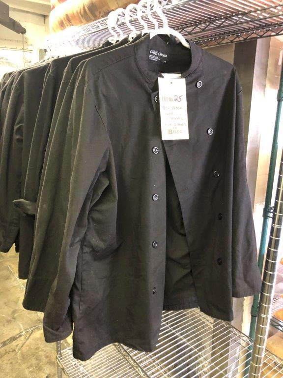 (13) Jackets CHEF noirs, 6 larges, 6 medium, 1 small