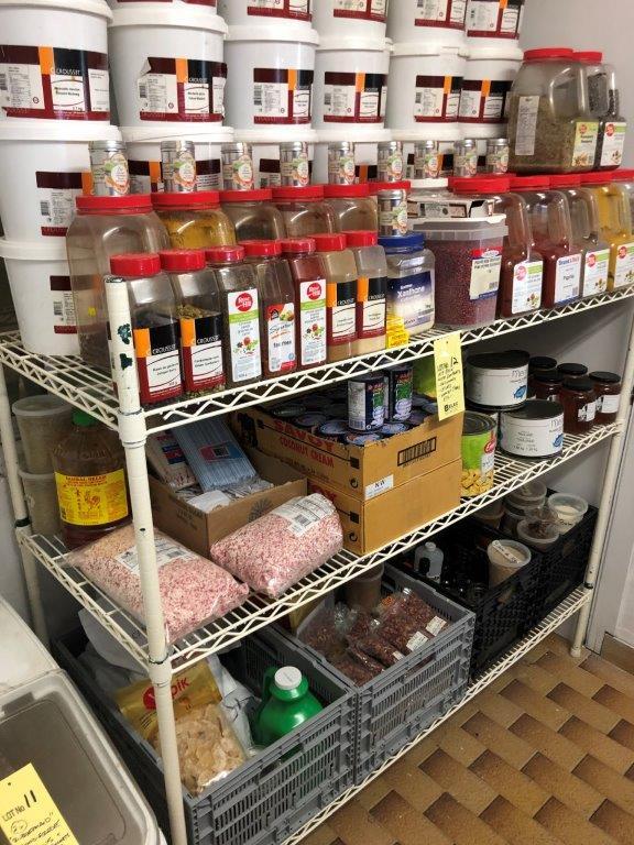 Rack NSF avec lot d'aliments sur rack