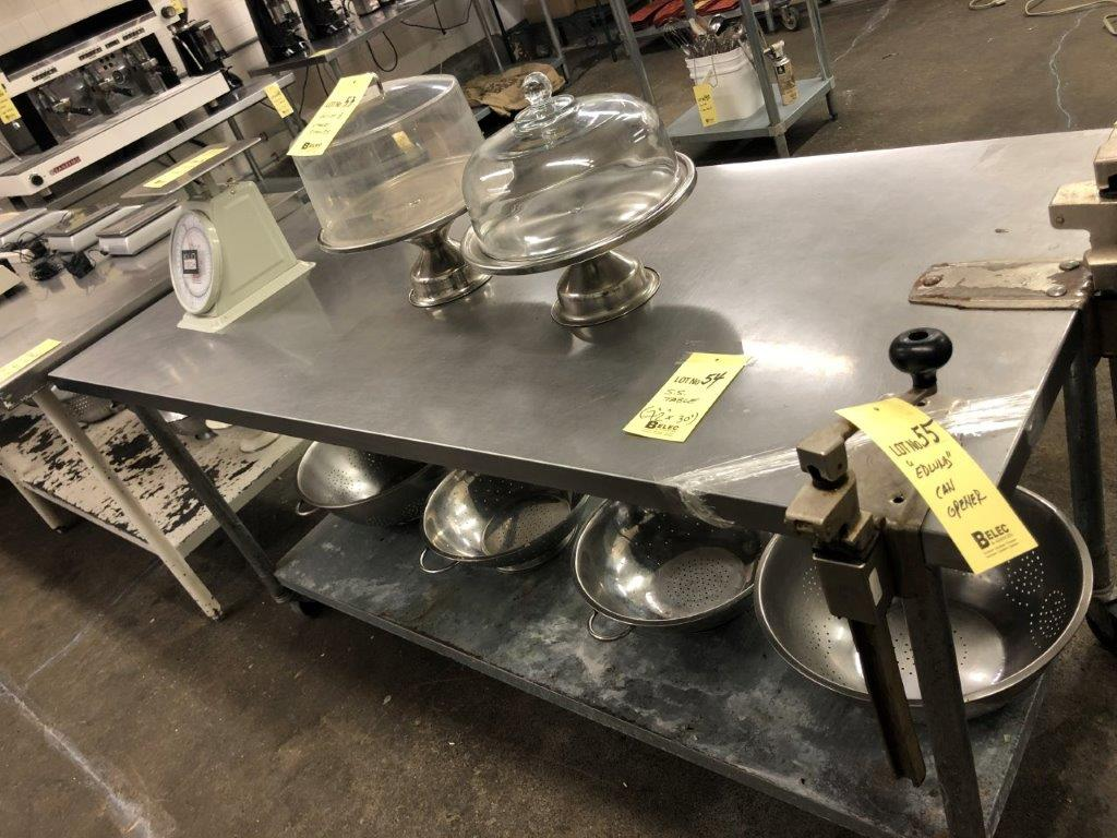 "Lot 54 - Table de travail acier inox 72"" x 30"""