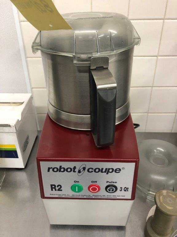 Lot 108 - ROBOT CCOUPE # R2 - 3 QT - FONCTIONEL, avec accessoires