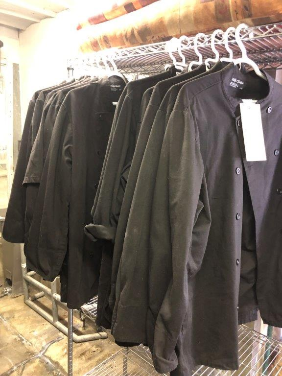 (13) Jackets CHEF noirs, 6 larges, 6 medium, 1 small - Image 2 of 2