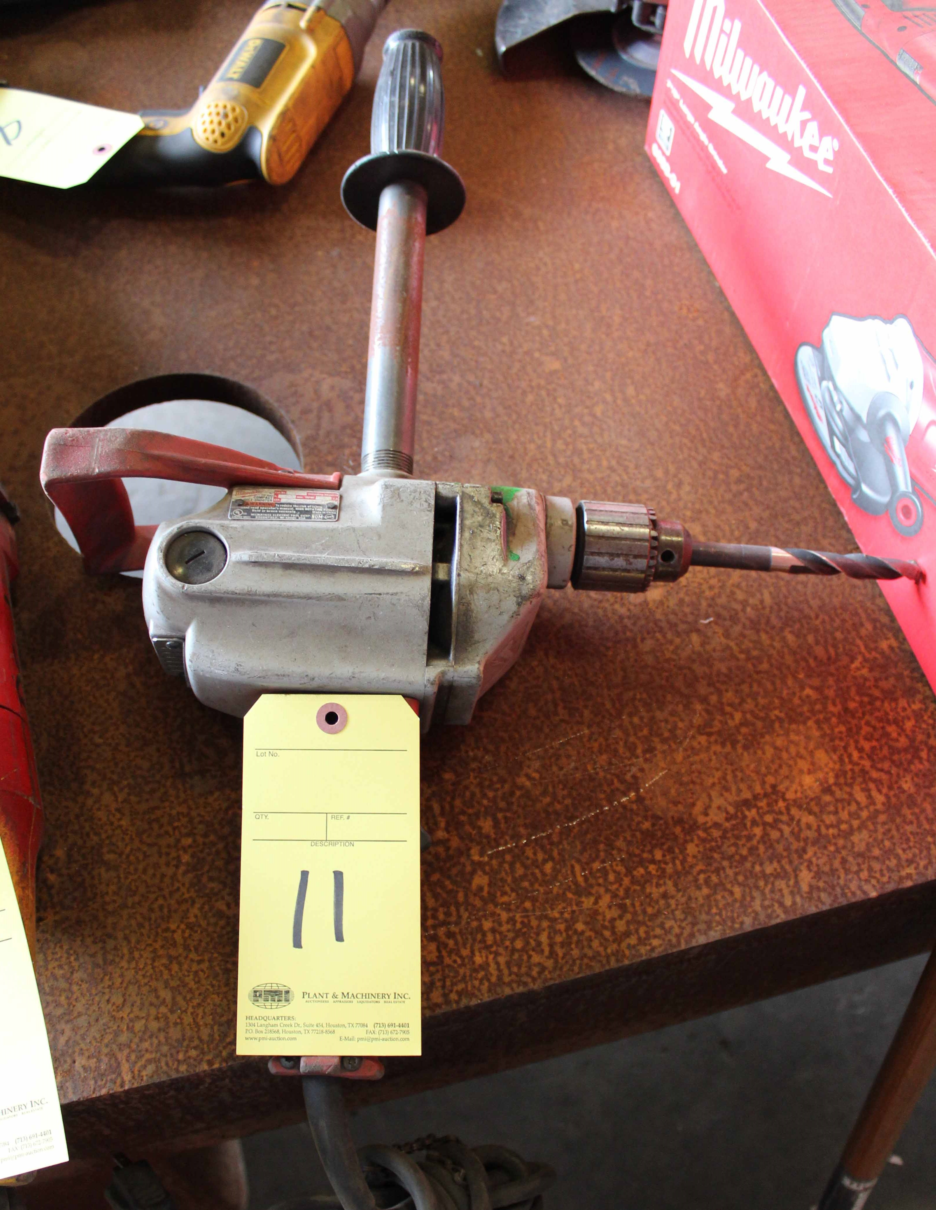 Lot 11 - COMPACT DRILL, MILWAUKEE MDL. 1660-1