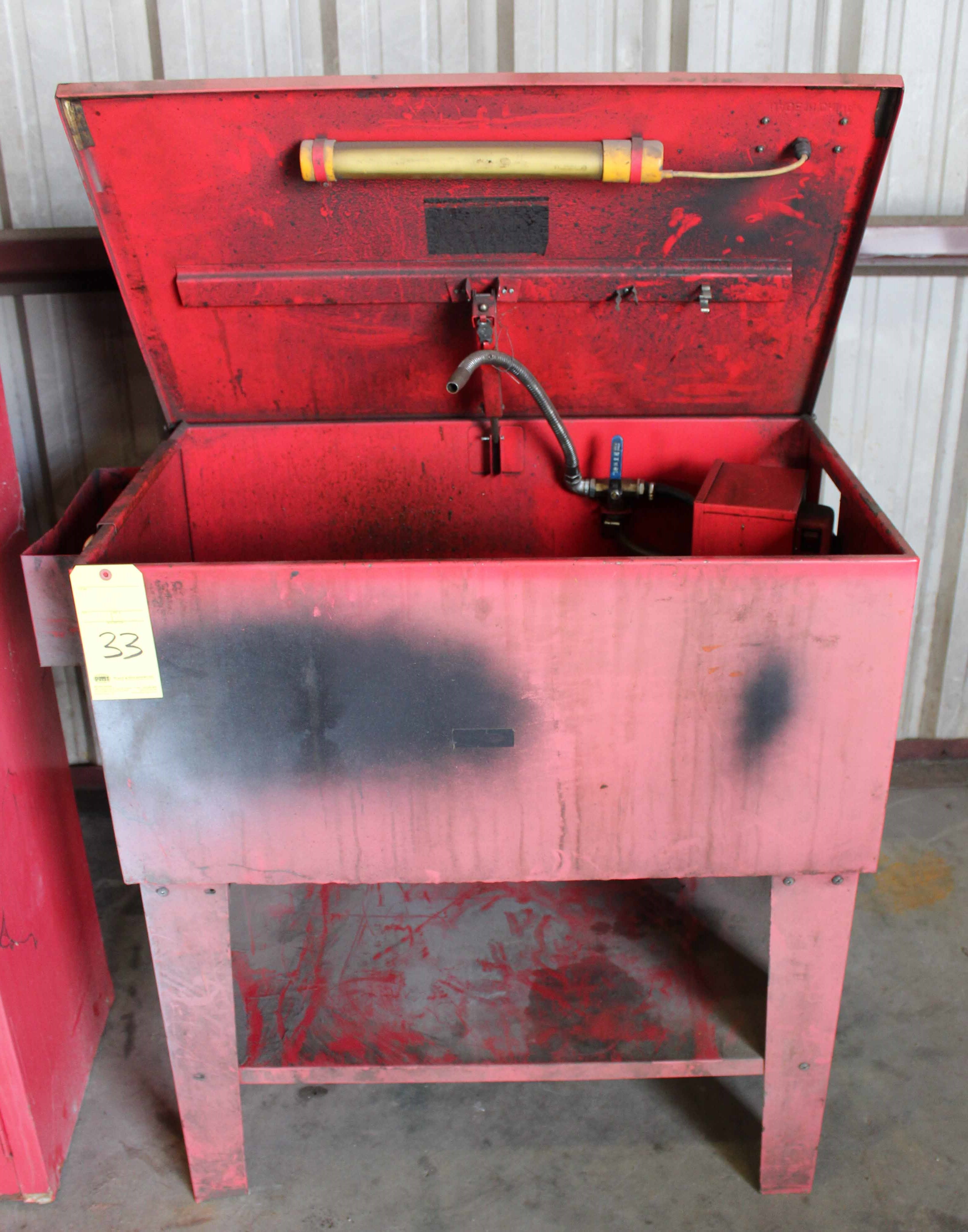 Lot 33 - PARTS WASHER