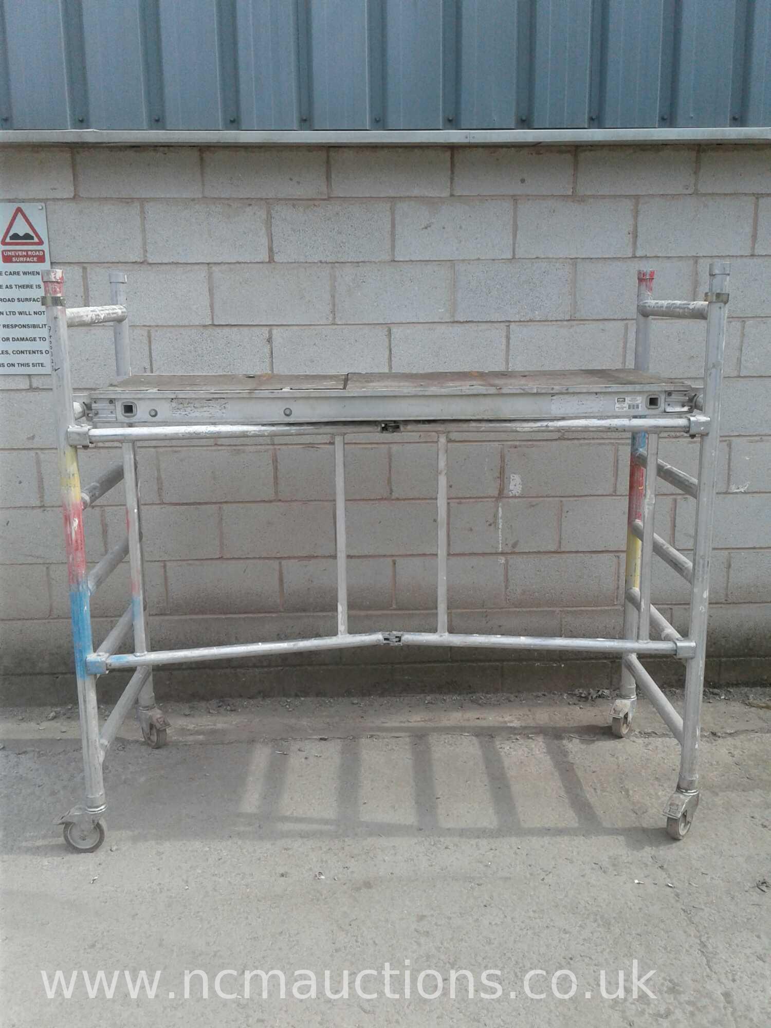 Lot 363 - Indoor scaffolding 1Meter