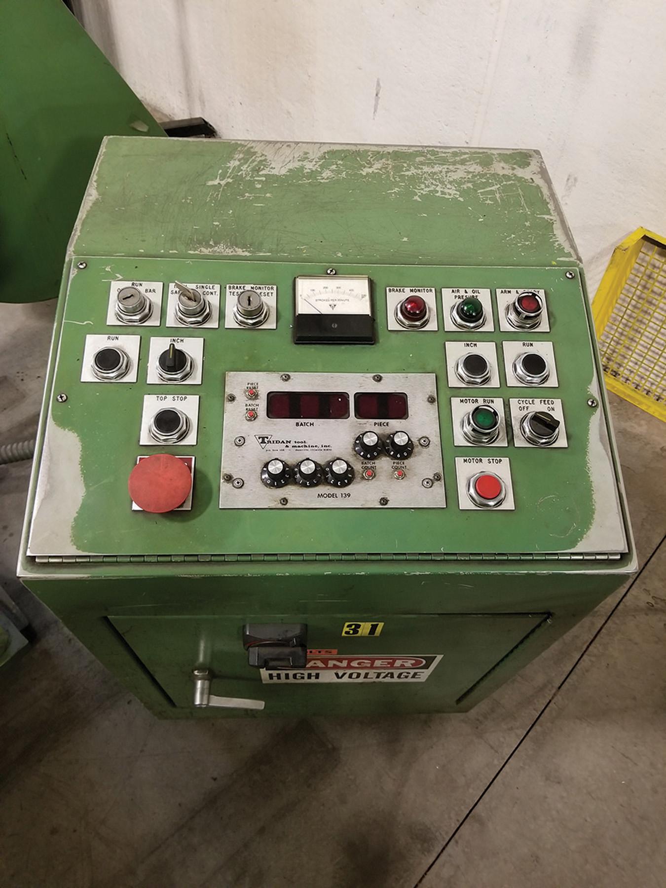 Lot 12 - TRIDAN FINN MACHINE, MODEL RL B45E-30-22-4, S/N 98254, INTEGRATED COIL REEL, TRIDAN TUBE BLOWER /
