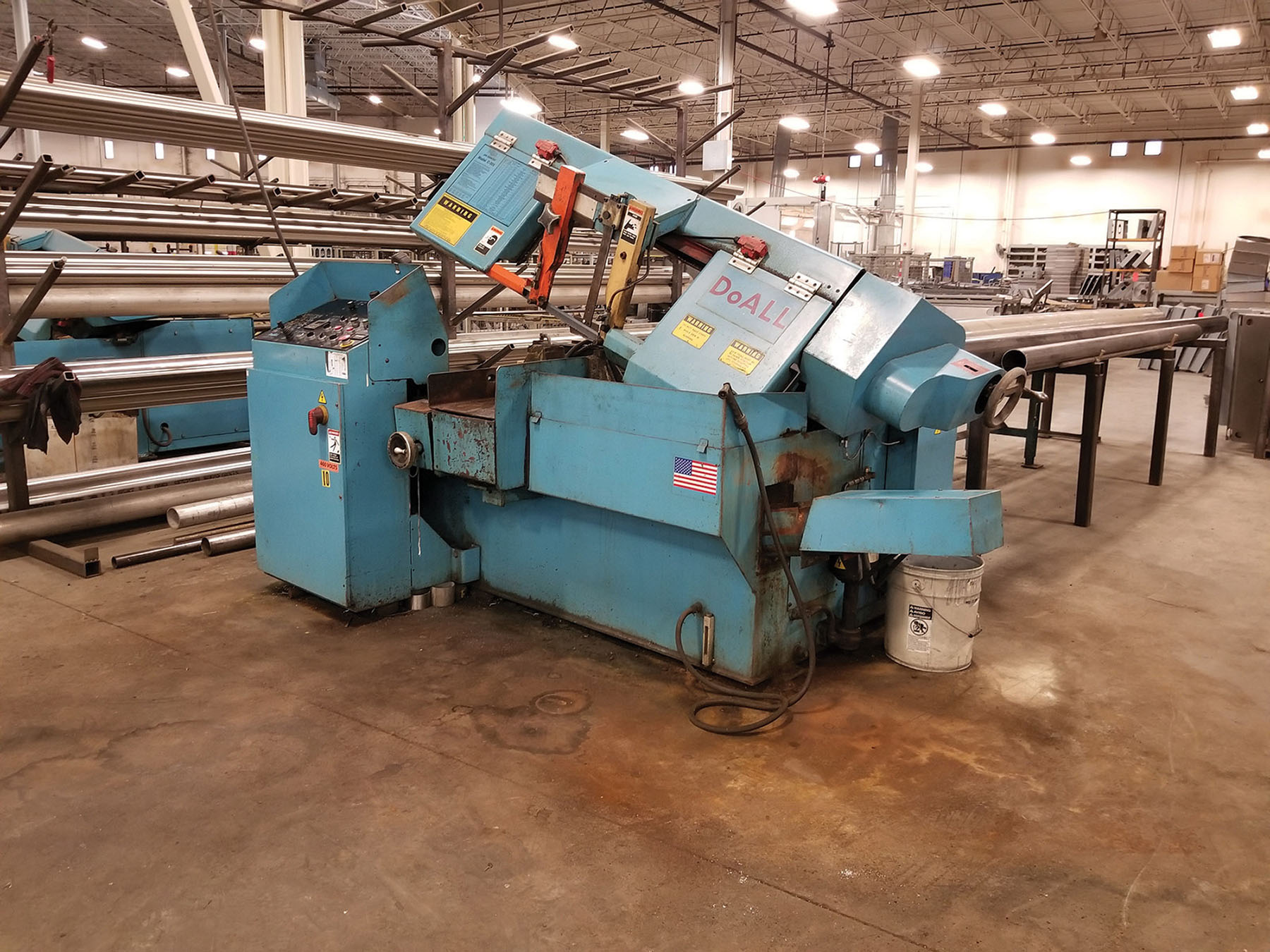 Lot 1 - DOALL C-305 A AUTOMATIC HORIZONTAL BAND SAW, S/N 534-00314, 12' BAND LENGTH, LIMIT SWITCH &
