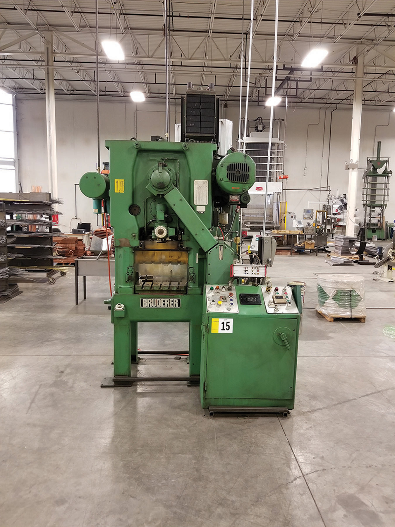 Lot 15 - BRUDERER BSTA 25 PUNCH PRESS, MALFUNCTION DETECTOR, 25-HP GE MOTOR, 21 X 21 T-SLOTTED TABLE, 21'`W X