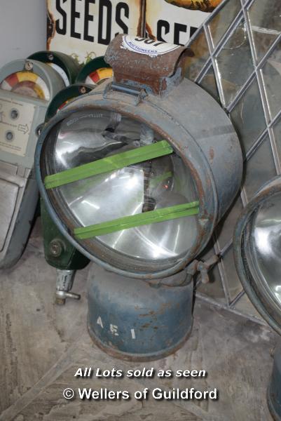 Lot 567 - *HENDON TILLY LAMP