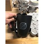 Lot de (13) tasses a café noires, avec logo feuille
