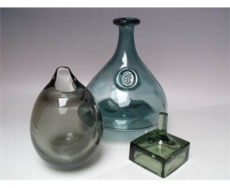 A HOLMEGAARD 'CHERRY ELSINORE' GLASS CARAFE, designed by Ole Winther, H 23.5 cm, together with a Holmegaard smoke glass vase