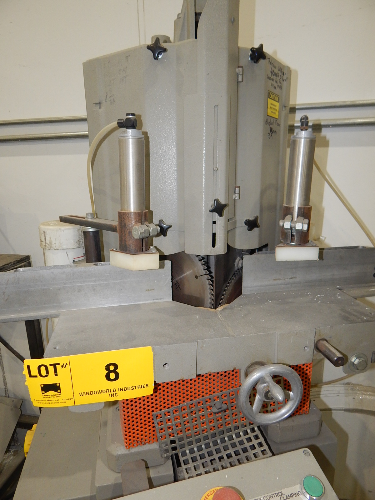 ELU 101 TWIN HEAD NOTCHING SAW WITH PNEUMATIC CLAMPING, 600V/3PH/50HZ, S/N: 91060 (CI) - Image 2 of 3