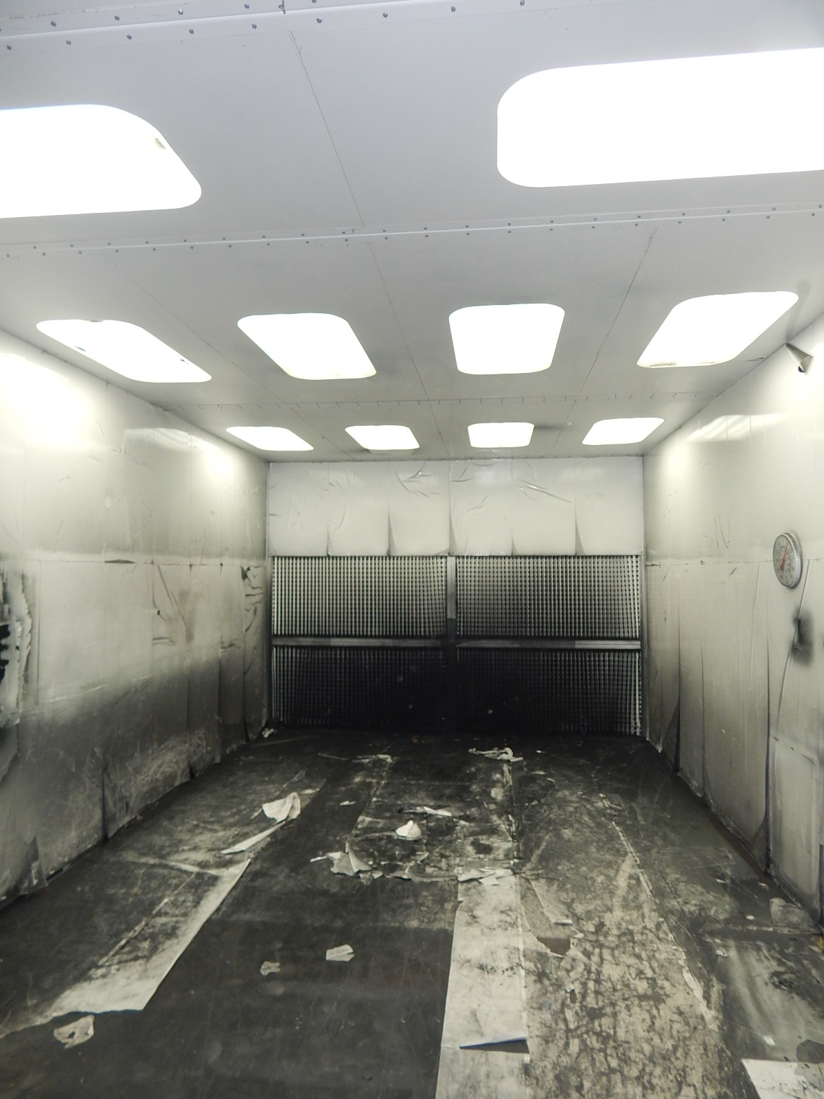 UNITED SB 24.5'L X 10'H X 14'W CROSS DRAFT SPRAY AND FINISHING BOOTH WITH RAYMAR INDUSTRIAL - Image 8 of 9