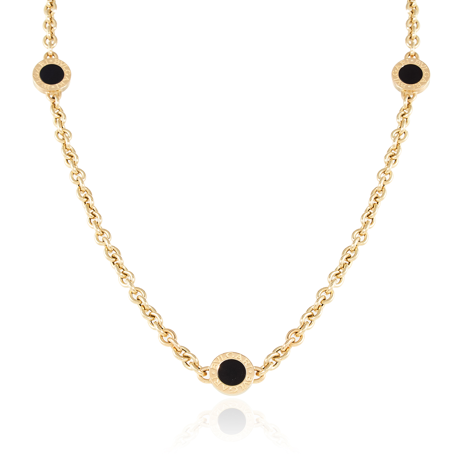 Los 18 - AN ONYX LINK NECKLACE, BULGARI in 18ct yellow gold, comprising of six onyx Bvlgari links signed