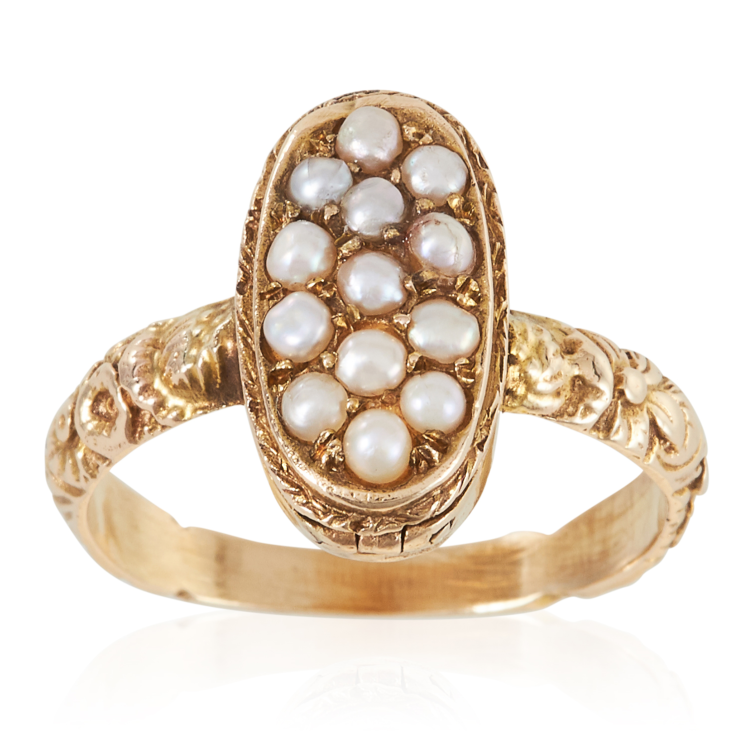 Los 3 - AN ANTIQUE PEARL POISON / LOCKET RING, 19TH CENTURY in high carat yellow gold, the oval face with