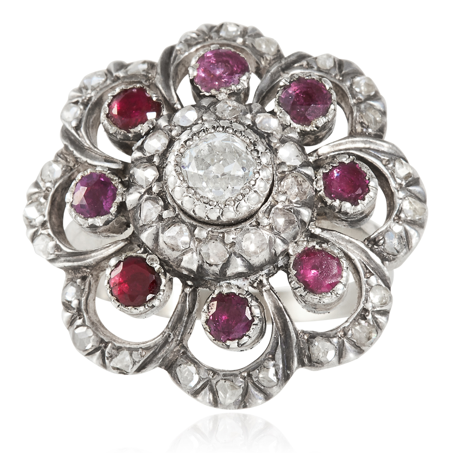 Los 47 - AN ANTIQUE DIAMOND AND RUBY RING, DUTCH 19TH CENTURY in yellow gold and silver, concentric rows of