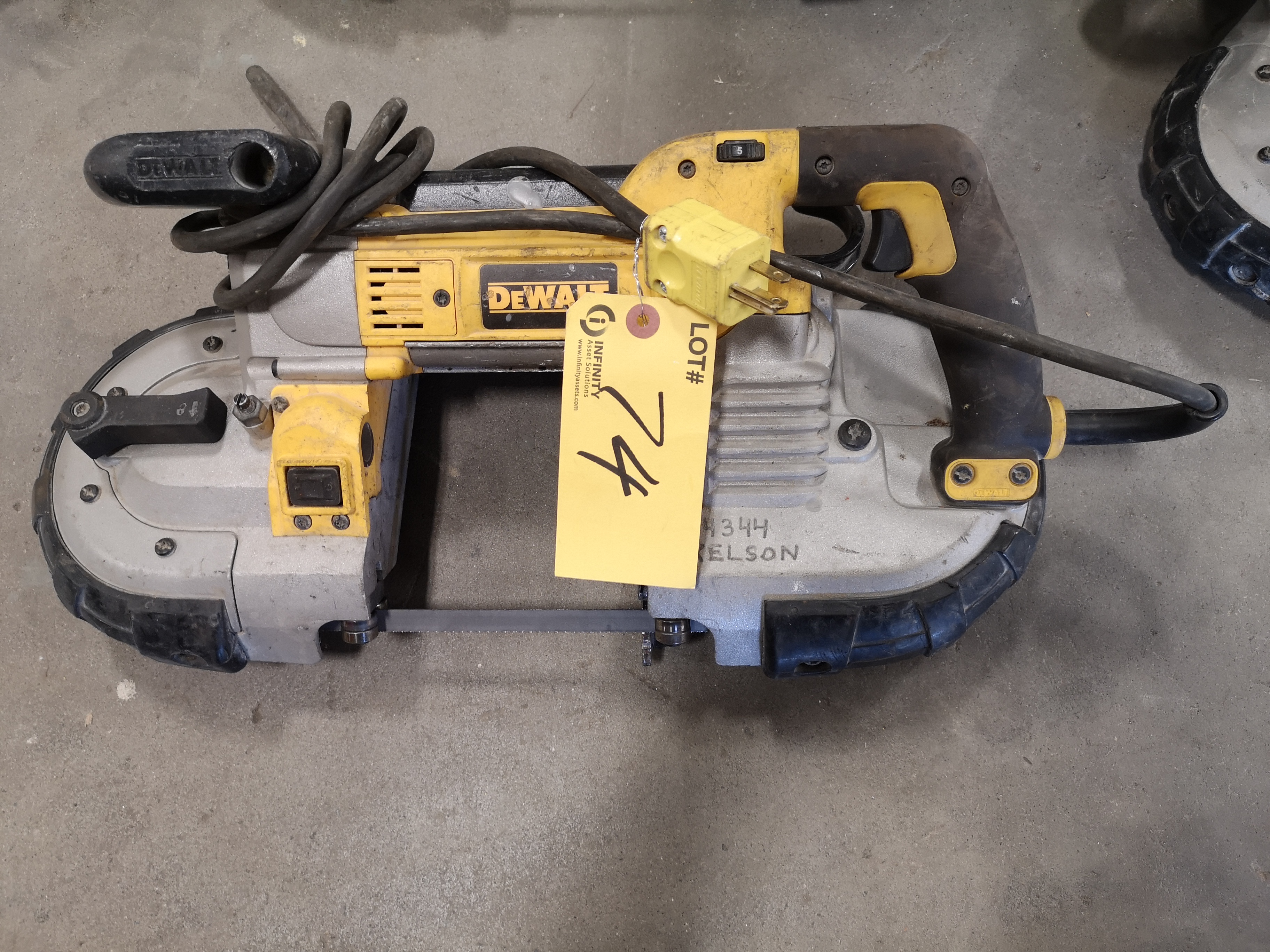 "DEWALT DWM120 5""(127MM) DEEP CUT VARIABLE SPEED BANDSAW (LOCATED AT 1135 STELLAR DRIVE, NEWMARKET,"