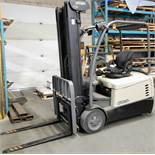 "2013 CROWN SC5245-40 3-WHEEL ELECTRIC FORKLIFT, 4,000LB CAP., 3-STAGE MAST, 208"" MAX LIFT, SIDE"