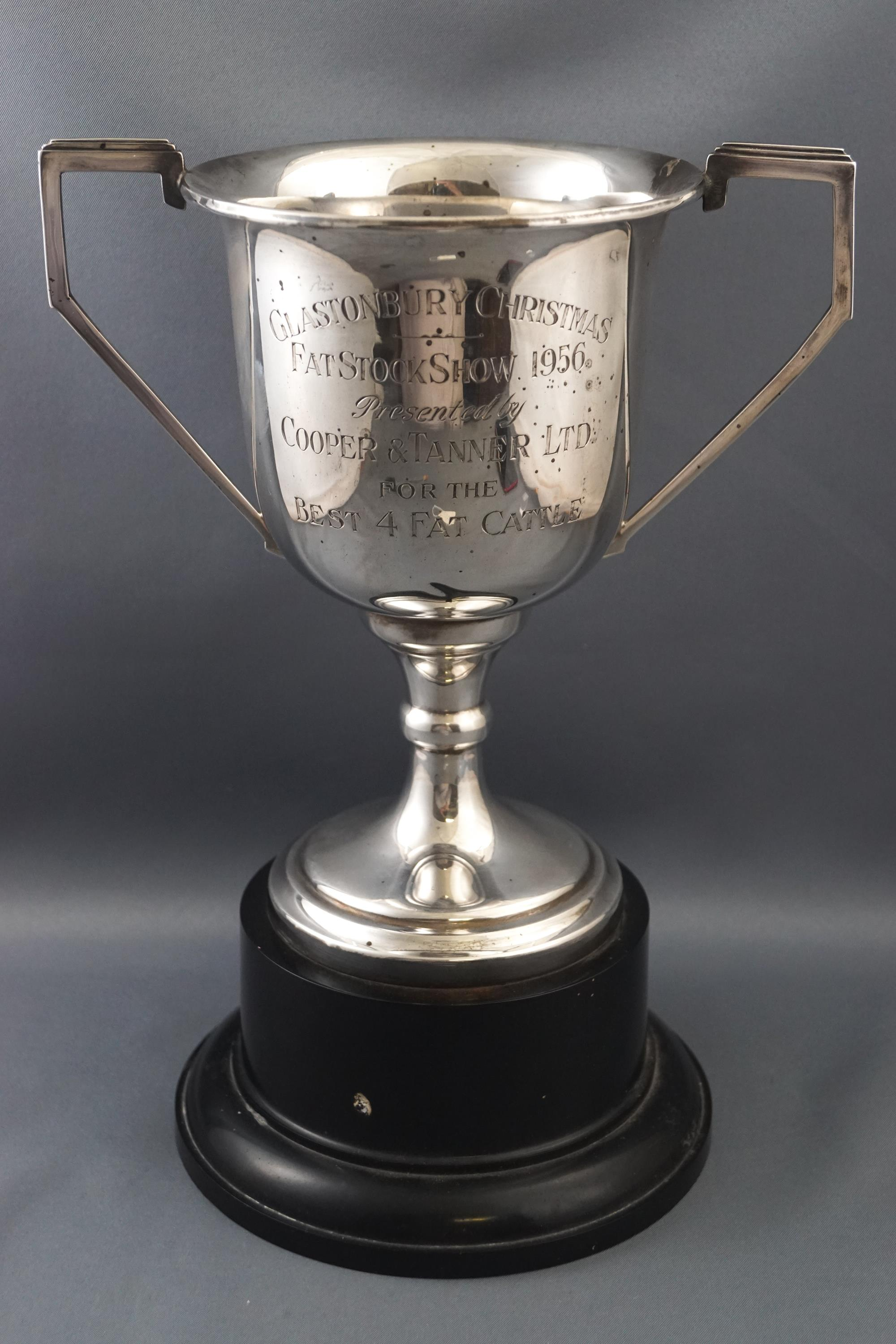 Lot 10 - A silver Glastonbury Christmas Fat Stock Show two handled trophy cup, dated 1956, 18cm high,