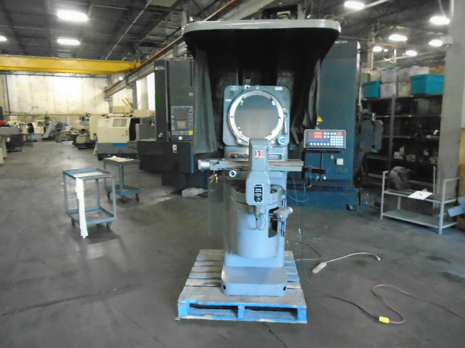 Jones & Lamson FC-14 Optical Comparator With DRO/Power Elevation