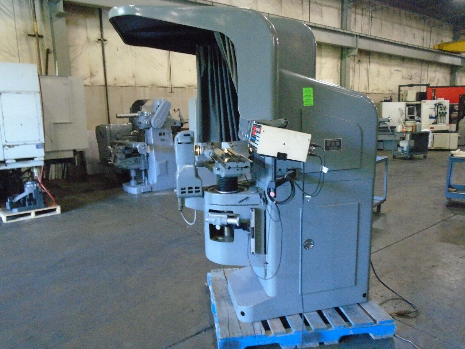 Jones & Lamson FC-14 Optical Comparator With DRO/Power Elevation - Image 3 of 11