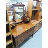 AN EDWARDIAN WALNUTWOOD DRESSING CHEST WITH SWING MIRROR, TWO SHORT AND ONE LONG DRAWER