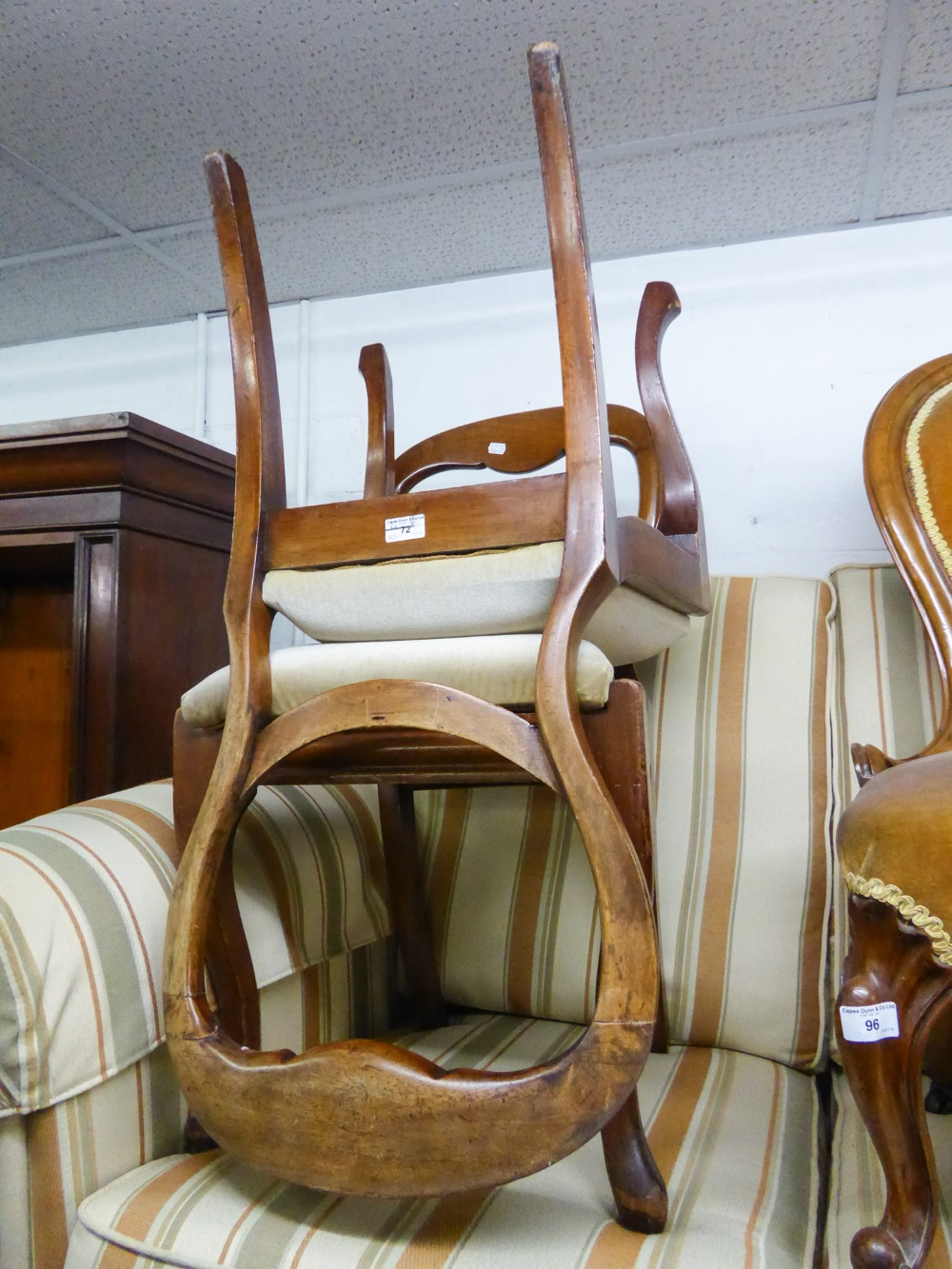 Lot 72 - A PAIR OF VICTORIAN MAHOGANY BALLOON BACK SINGLE CHAIRS, ON CABRIOLE FRONT SUPPORTS