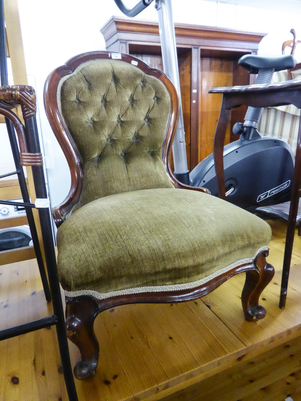 Lot 21 - AN EARLY VICTORIAN MAHOGANY FRAMED OPEN ARMCHAIR