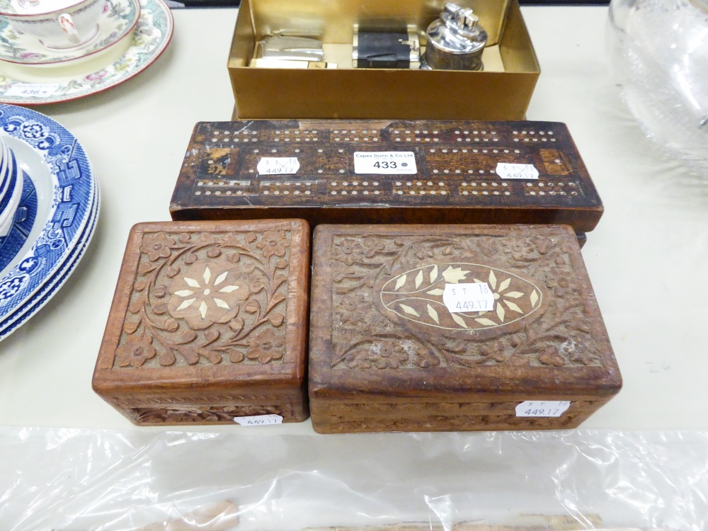 Lot 433 - EARLY 20th CENTURY WOODEN CRIBBAGE BOX WITH CARDS, TOGETHER WITH TWO CARVED WOODEN BOXES