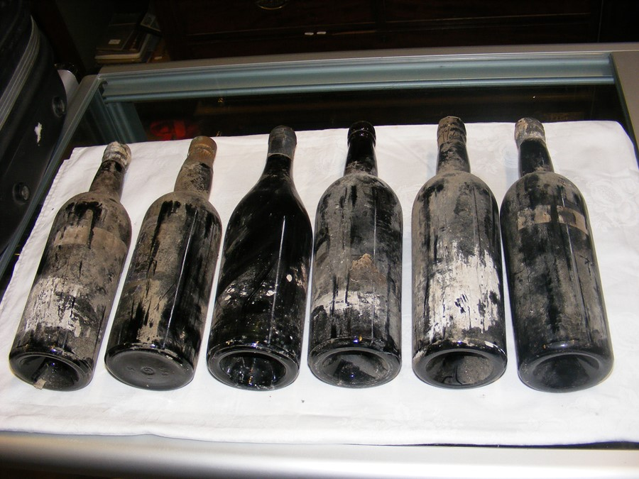 Lot 55 - Six bottles of vintage port