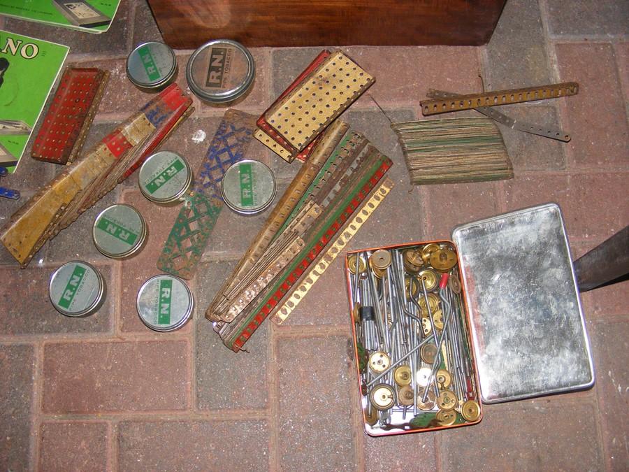 Lot 12 - A box of old Meccano