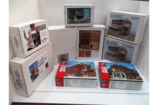 6 x boxed O gauge model building kits by Downtown Deco including