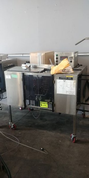 Lot 36 - Go Packer - 1000 Vertical Form Fill and Seal Pouch Machine with Labeller