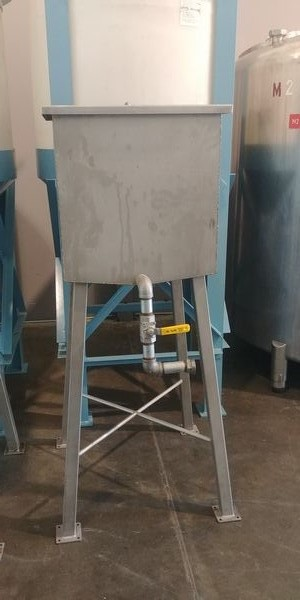 Lot 44 - Stainless Steel Heat and Control Tank