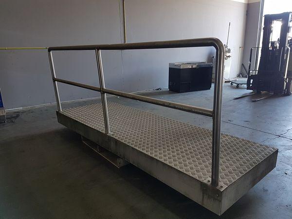 """Lot 5 - 10ft x 40"""" Aluminum Walk Ramp"""