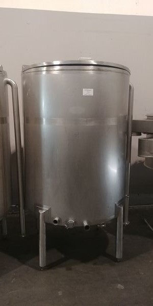 "Lot 22 - Savory Stainless Steel Tank - Tank size is 60"" High by 46"" wide"