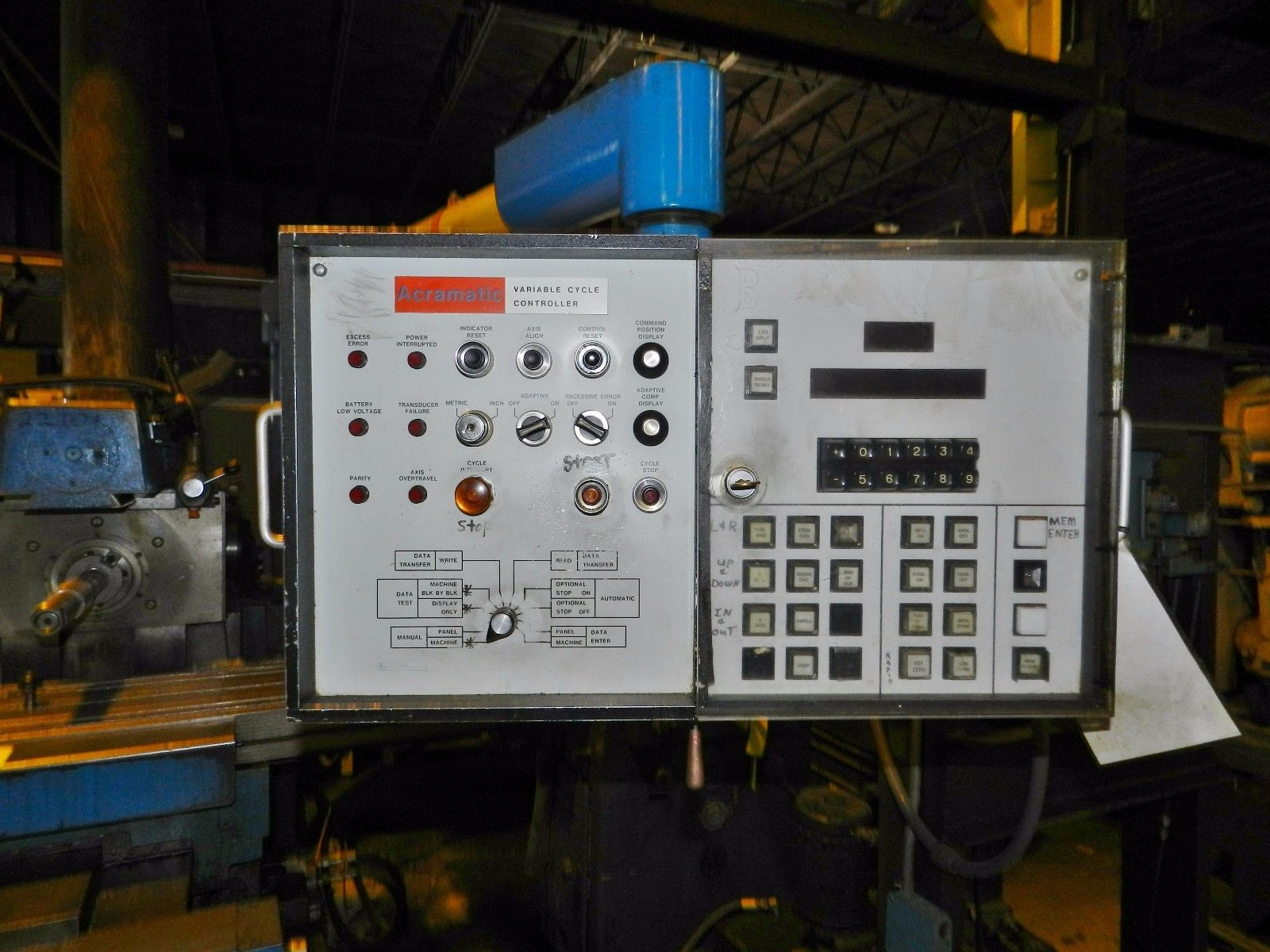 "Lot 18 - Cincinnati Milacron Horizontal Mill 10"" x 50"" Acramatic Control"