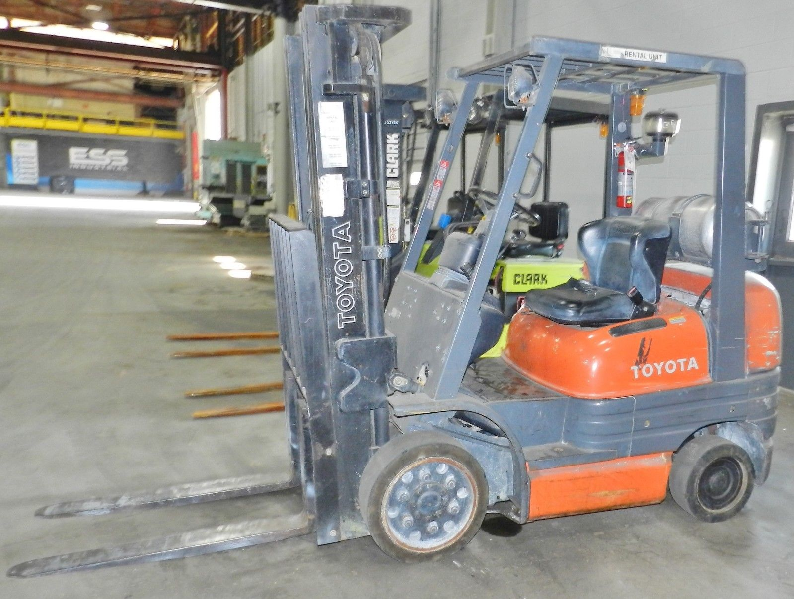 Lot 2 - Toyota 5000lb LP Forklift
