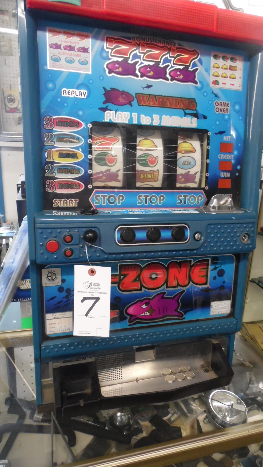Lot 7 - 3 REEL SLOT MACHINE