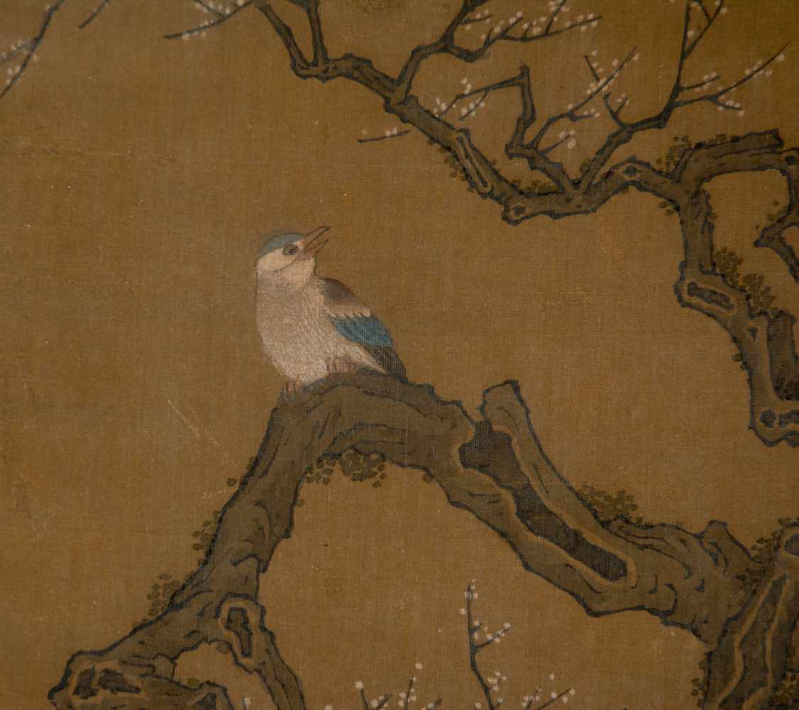 """Colours and Ink on silk. Japan. Possibly Ming Period (1368-1644)""""Bird on blossoming plum tree"""". - Bild 2 aus 5"""