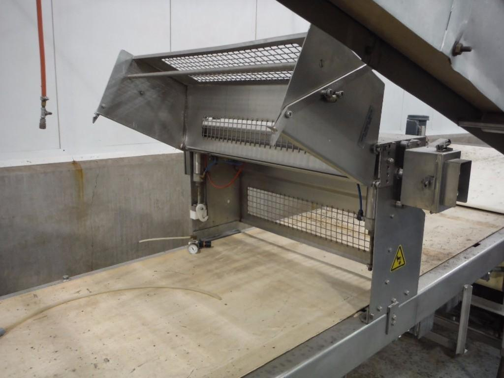 Make-up table with poly sheeter, multiroller, 2 flour dusters, overhead scrap conveyor, guillotine, - Image 8 of 12