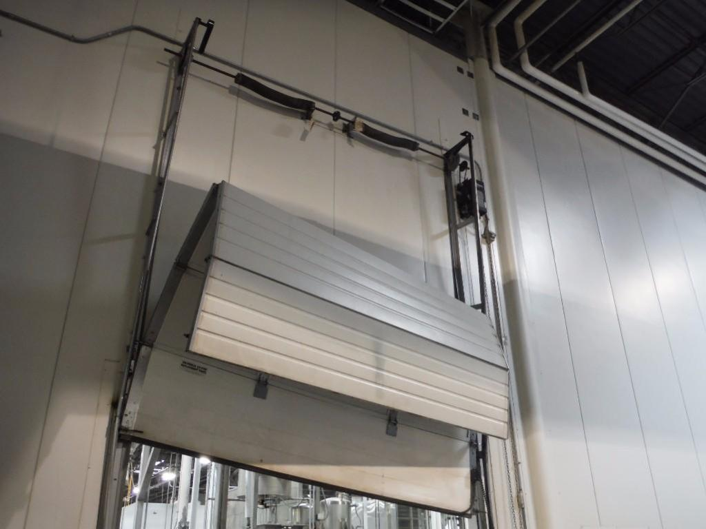 (2) overhead doors, lift master, / Rigging Fee: $1700 - Image 3 of 6