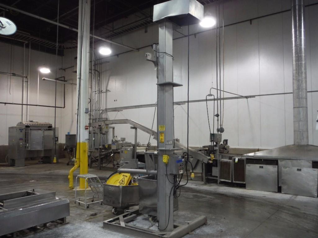 FPEC tote lift, Model VL18, SN 3769, max discharge 12 ft. tall / Rigging Fee: $375