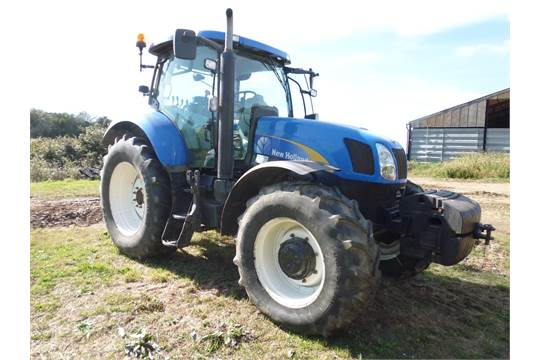 New Holland T6080 Range Command 4WD tractor. Registration AY10 BWH on